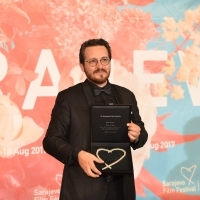 Emanuel Parvu, MEDA OR THE NOT SO BRIGHT SIDE OF THINGS, HEART OF SARAJEVO FOR BEST DIRECTOR, Competition Programme - Feature Film, Photo Call, Sarajevo Film Festival Awards Ceremony, Festival Square, 23. Sarajevo Film Festival, 2017 (C) Obala Art Centar