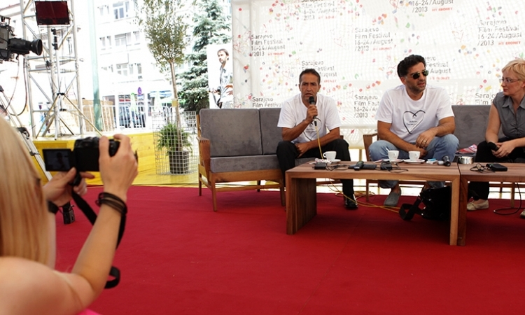 "Danis Tanović and Nazif Mujić Guests of the ""Coffee with..."" Programme"