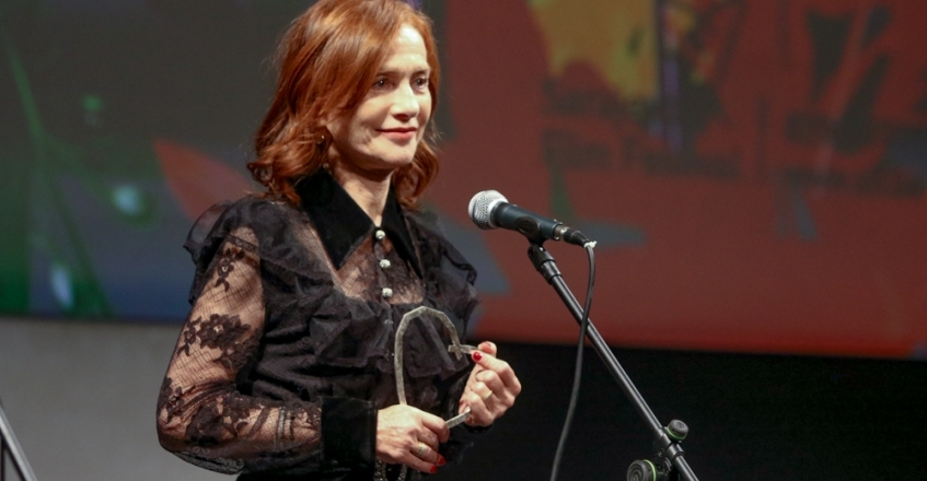 Isabelle Huppert Receives Honorary Heart of Sarajevo Award in National Theatre
